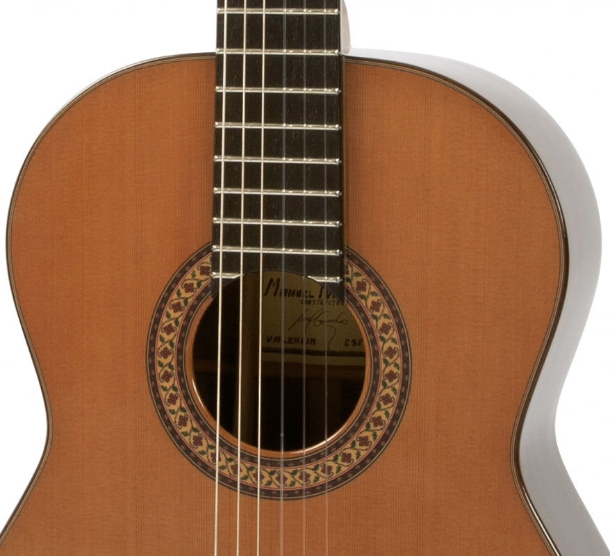 raimundo 180 handcrafted classical guitar with case. Black Bedroom Furniture Sets. Home Design Ideas